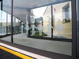 Il vetro e il vetro temperato: che cosa sono e le loro caratteristiche.